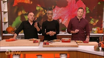 The Chew - 07x58 Holiday Express