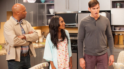 Love Thy Neighbor - 04x01 Locked Out