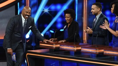 Celebrity Family Feud (2015) - 04x10 Nflpa Veterans Vs. Nflpa Rookies And Wanda Sykes Vs. Nia Vardalos Screenshot