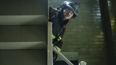 Chicago Fire - 07x02 Going to War
