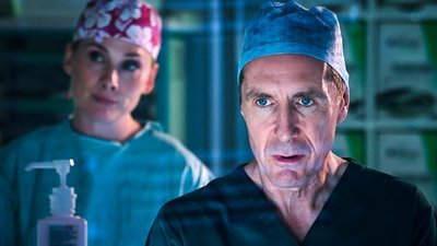 Holby City (UK) - 20x41 The Three Musketeers
