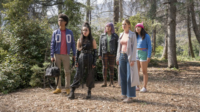Marvel's Runaways - 02x13 Split Up Screenshot
