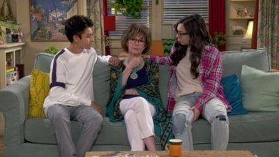 One Day at a Time (2017) - 03x01 The Funeral