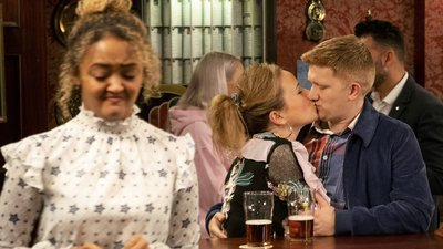 Coronation Street (UK) - 60x35 Friday 8th February