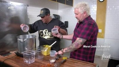 Diners, Drive-Ins and Dives - 29x14 Sandwich Showcase Screenshot