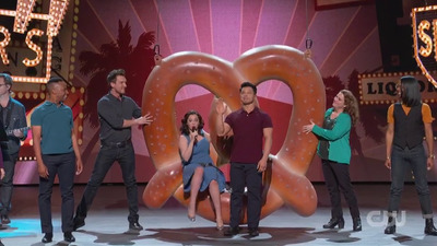 Crazy Ex-Girlfriend - 04x18 Yes, It's Really Us Singing: The Crazy Ex-Girlfriend Concert Special! Screenshot