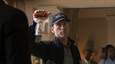 NCIS: New Orleans - 05x19 A House Divided