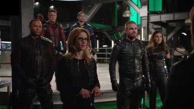 Arrow - 07x22 You Have Saved This City Screenshot