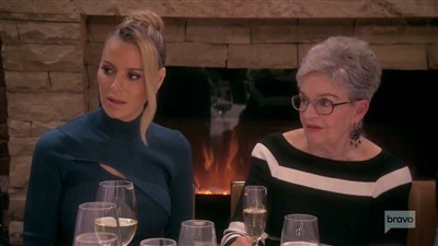 The Real Housewives of Beverly Hills - 09x11 Do You Really Want to Hurt Me?