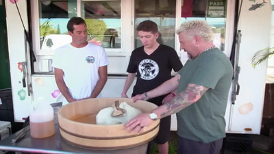 Diners, Drive-Ins and Dives - 30x05 Standout Seafood Screenshot