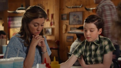 Young Sheldon - 03x04 Hobbitses, Physicses and a Ball With Zip Screenshot