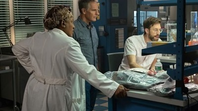 NCIS: New Orleans - 06x05 Spies & Lies