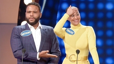 Celebrity Family Feud (2015) - 05x11 Black-ish vs. The Goldbergs Screenshot