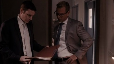 Homicide Hunter - 09x20 The End Screenshot