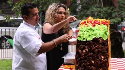 Cake Boss - 14x08 Extraterrestrials And Giant Tacos Screenshot