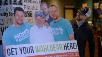 Wahlburgers - 10x11 Wahlburgers Comes Home - Series Finale Screenshot