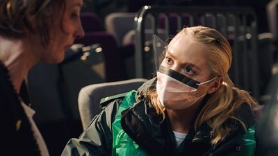 Casualty (UK) - 34x27 Series 34, Episode 27