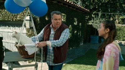Modern Family - 11x16 I'm Going to Miss This