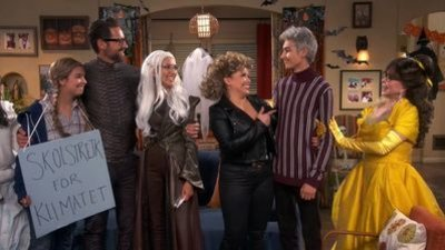 One Day at a Time (2017) - 04x04 One Halloween at a Time