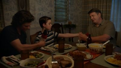 Young Sheldon - 04x03 Training Wheels And An Unleashed Chicken
