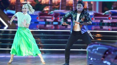 Dancing With the Stars - 30x06 Grease Night Screenshot