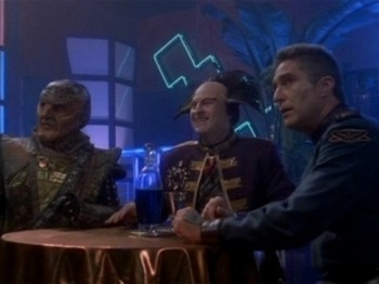 Babylon 5 - 01x04 Born to the Purple