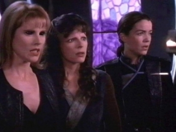 Babylon 5 - 04x01 The Hour of the Wolf