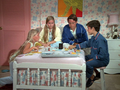 The Brady Bunch - 01x13 Is There a Doctor in the House?
