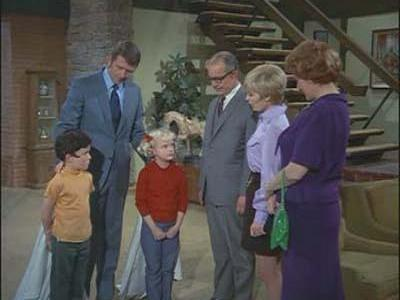 The Brady Bunch - 01x23 To Move or Not to Move