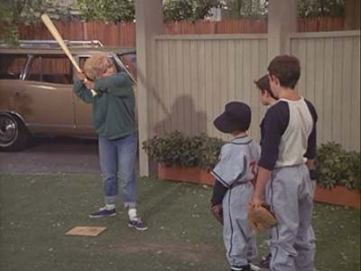 The Brady Bunch - 01x24 The Grass is Always Greener