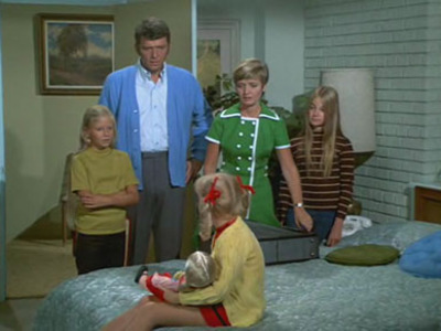 The Brady Bunch - 02x17 Coming-Out Party