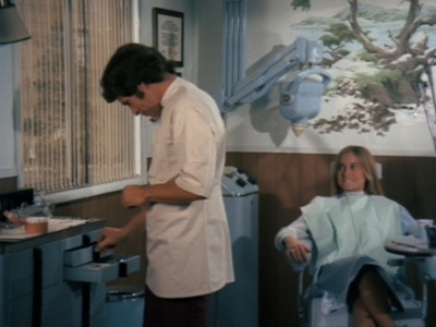 The Brady Bunch - 04x13 Love and the Older Man