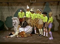 The Brady Bunch - 05x03 Snow White and the Seven Bradys