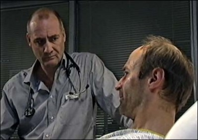 Casualty (UK) - 15x07 Travelling Light