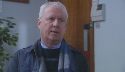 Casualty (UK) - 22x16 Snowball