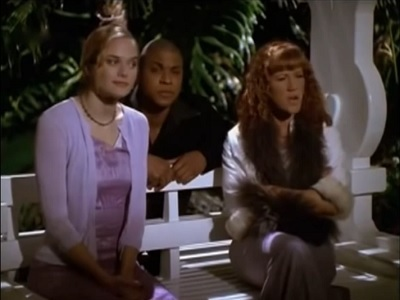 Clueless - 03x22 All Night Senior Party Screenshot