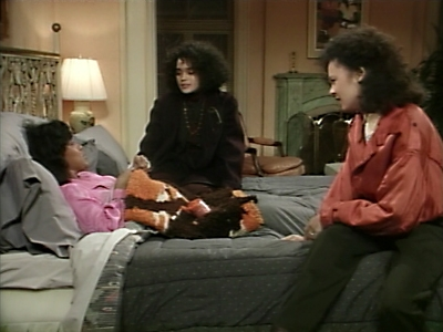 The Cosby Show - 03x09 Denise Gets a D