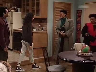 The Cosby Show - 06x13 Elvin Pays for Dinner