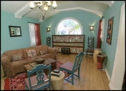 Design on a dime 8x01 moroccan living room sharetv for Design on a dime living room ideas