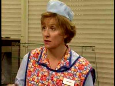 dinnerladies (UK) - 02x02 Trouble