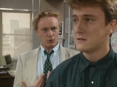 Drop the Dead Donkey (UK) - 01x05 Old Father Time