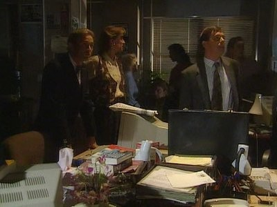 Drop the Dead Donkey (UK) - 01x10 The Big Day