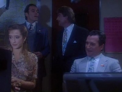 Drop the Dead Donkey (UK) - 02x06 Alex and the Intrepreter
