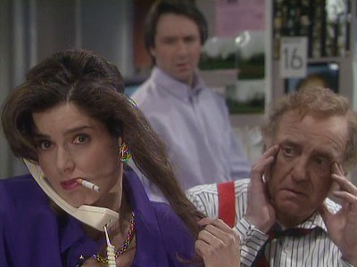Drop the Dead Donkey (UK) - 03x02 Sally's Accountant