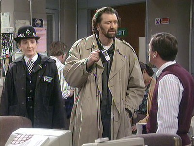 Drop the Dead Donkey (UK) - 03x08 Joy