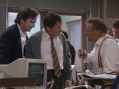 Drop the Dead Donkey (UK) - 04x01 The Undiscovered Country