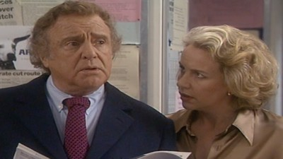 Drop the Dead Donkey (UK) - 05x09 Dave and Diana