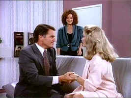 Dynasty - 08x06 The Surrogate (2)