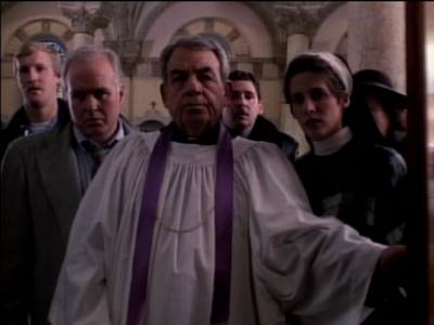 Father Dowling Mysteries - 01x01 The Missing Body Mystery (1)
