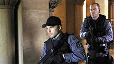 Flashpoint (CA) - 01x08 Never Kissed a Girl